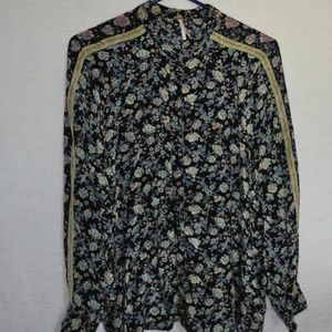🌻Free People Floral Blouse🌻